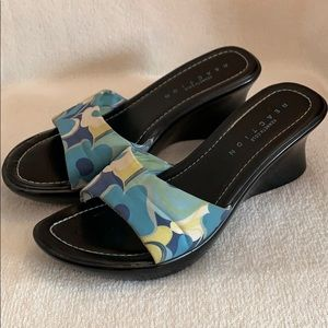 Reaction Kenneth Cole Black/Floral Sandals 5.5